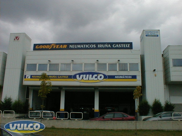 NEUMÁTICOS IRUÑA (VITORIA)