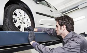 Imprescindibles de tu coche que conviene revisar antes de las vacaciones