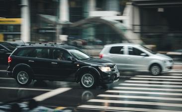 No te fíes del 'veroño': cuatro consejos para conducir más seguro