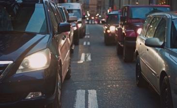 Madrid estrecha el cerco sobre los coches sin distintivo ambiental