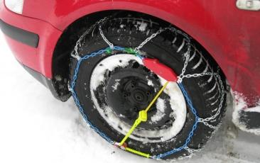 Cómo poner las cadenas para nieve a tu coche en seis pasos