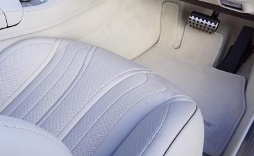 Pasos para limpiar las alfombrillas del coche