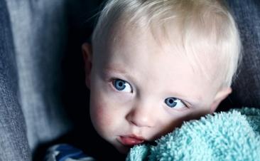 Tres excepciones por las que un niño puede viajar en el asiento del copiloto