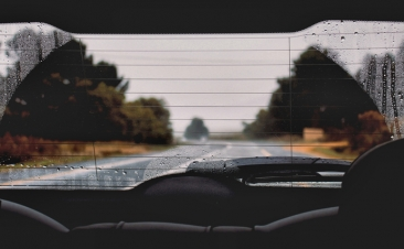Cuatro consejos para desempañar las lunas de tu coche