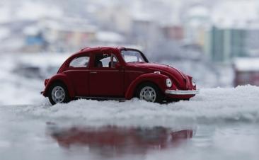 Diez consejos para aumentar la seguridad de tu coche en invierno