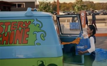 ¿Cuántos coches de película reconoces en este anuncio?