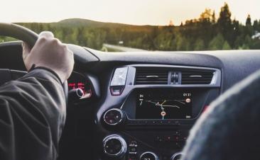 Tres situaciones en las que se puede superar el límite de velocidad