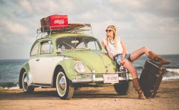 Cómo colocar el equipaje en el coche para tus viajes de verano