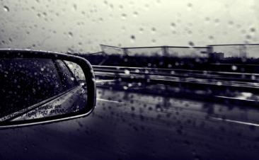 Vuelven las lluvias: cómo actuar para aumentar la seguridad al volante
