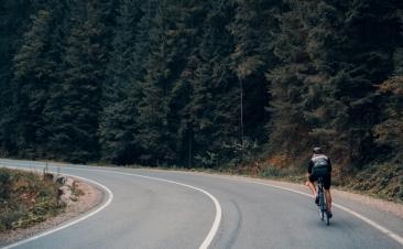 Cómo adelantar ciclistas con seguridad
