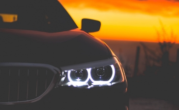 ¿Recuerdas cuándo debes utilizar las luces de tu coche?