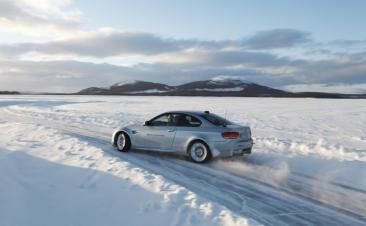 Conducir sobre nieve: trucos para aumentar tu seguridad