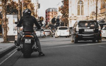 Cinco acciones que perjudican a motociclistas y que debes evitar