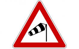 Claves para conducir con fuerte viento lateral