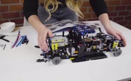 El Bugatti más veloz (a escala) está hecho con piezas de Lego