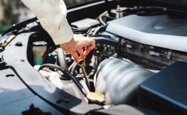 Cómo medir los niveles de líquidos en tu coche