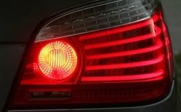 ¿Tu coche huele a quemado? Estas son algunas causas